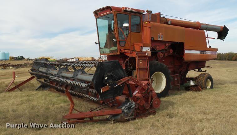 1982 International 1460 combine