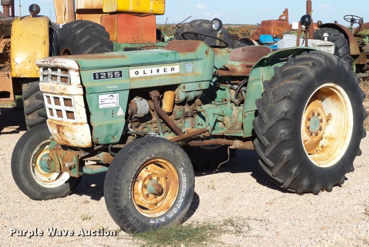 1969 Oliver 1255 tractor