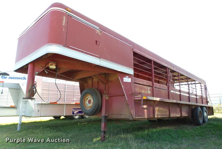 1989 Stidham livestock trailer