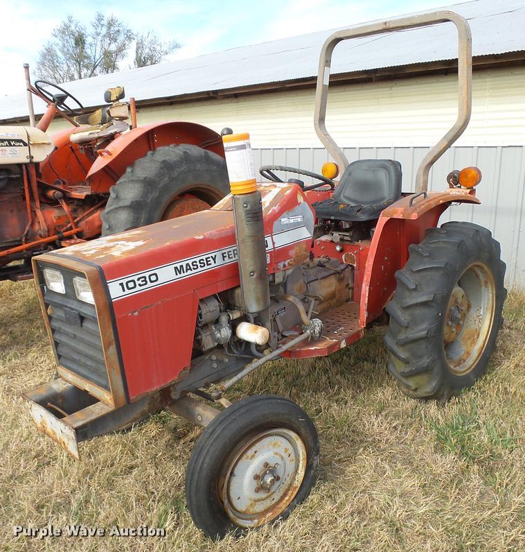 Massey-Ferguson 1030 Series 2963 tractor