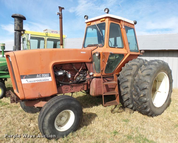 Allis Chalmers AC7060 tractor