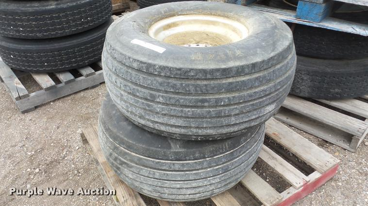 (2) 31x13.50-15 tires and wheels