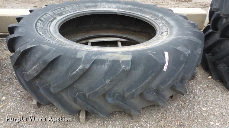Michelin Mega X Bib tire
