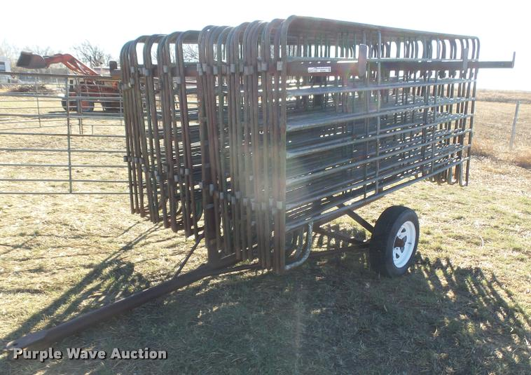 (38) 10' eight bar cattle panels with carrier