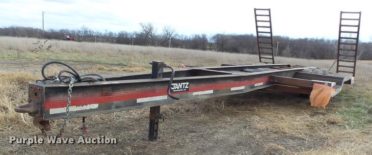 1983 Jantz HDLF12 combine trailer