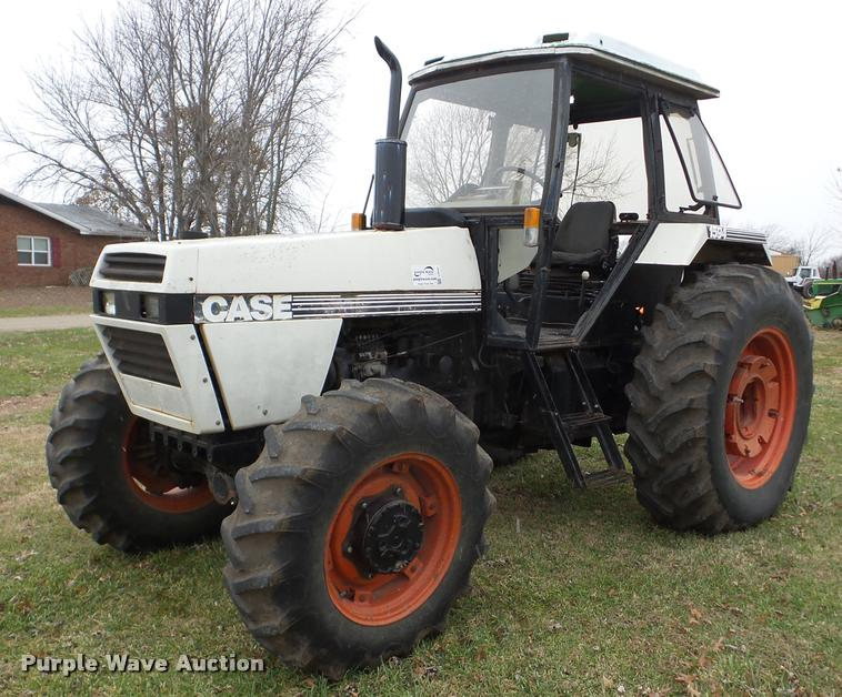 1984 Case IH 1594 MFWD tractor