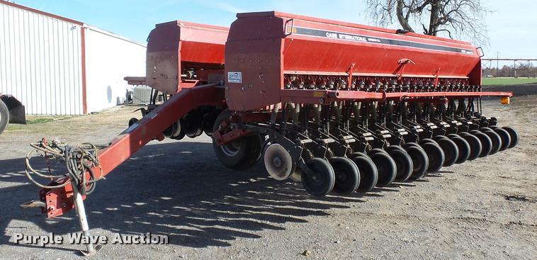 Case IH minimum-till grain drill