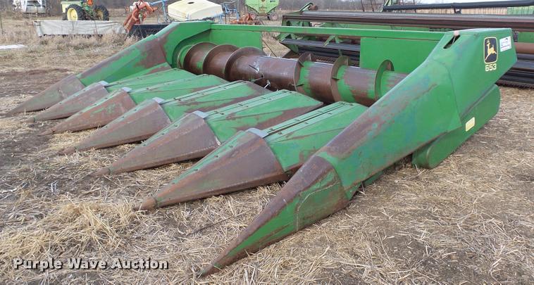 John Deere 653 row crop head