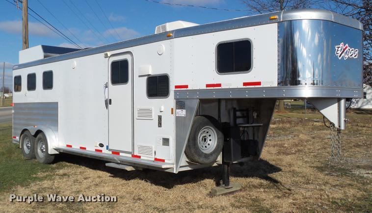 2013 Exiss Sierra 7308LQ horse trailer