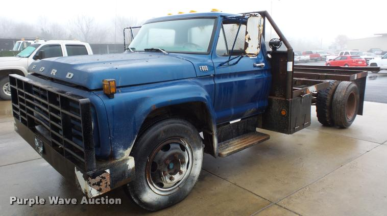 1977 Ford F600 truck cab and chassis
