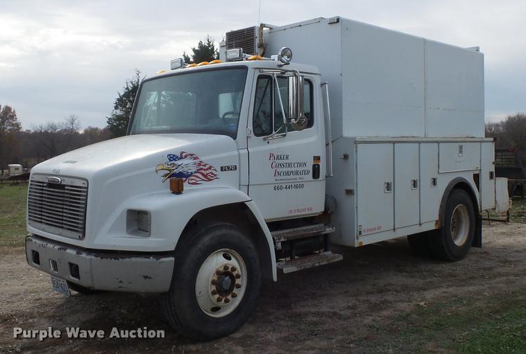 1999 Freightliner FL70 utility truck