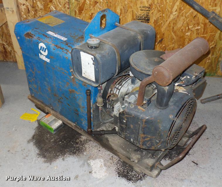 Miller AEAD-200LE welder