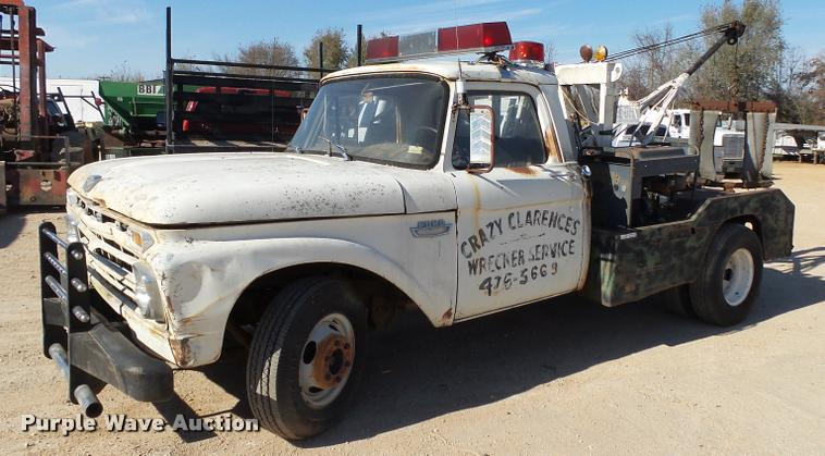 1966 Ford F350 tow truck