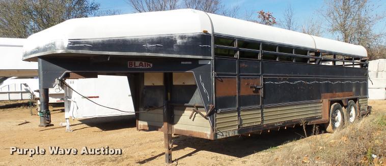 1990 Blair livestock trailer