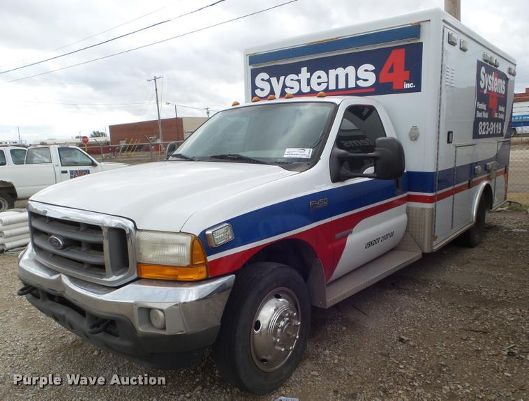 2004 Ford F450 Super Duty ambulance