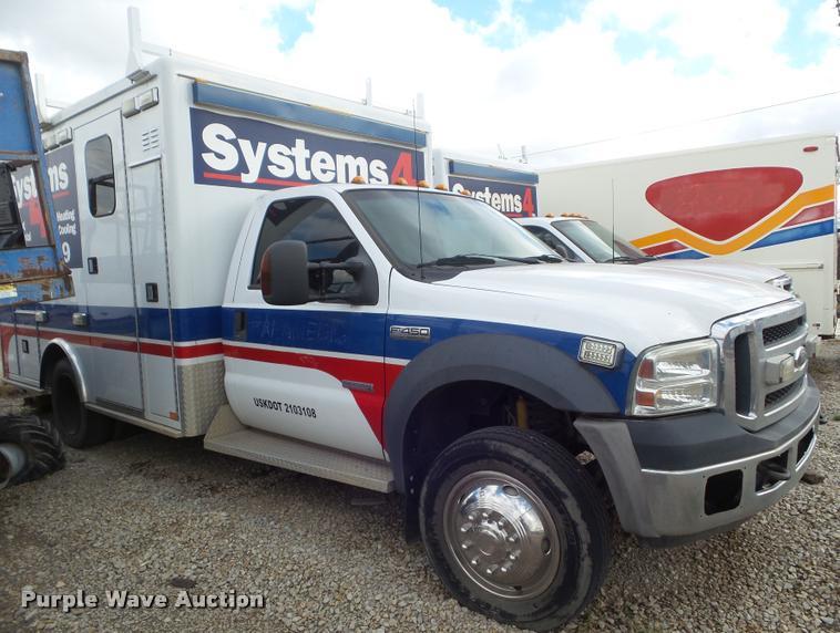 2006 Ford F450 Super Duty ambulance