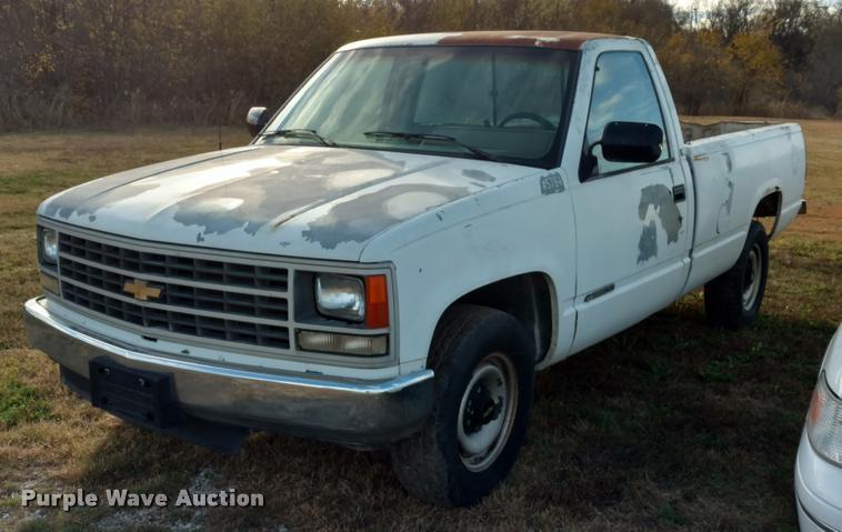 1991 Chevrolet Cheyenne 2500 pickup truck