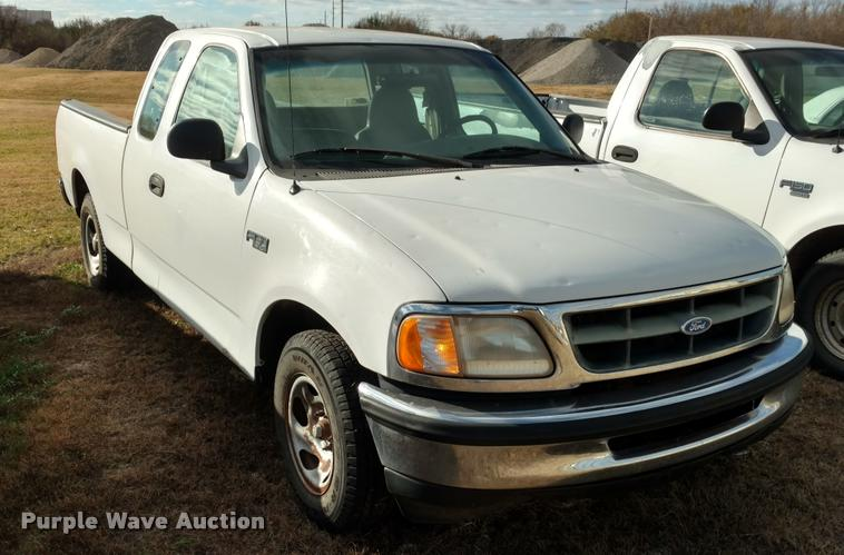 1997 Ford F150 SuperCab pickup truck