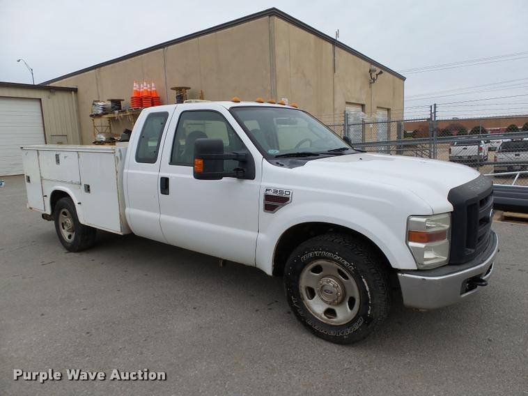 2008 Ford F350 Super Duty XL SuperCab utility truck