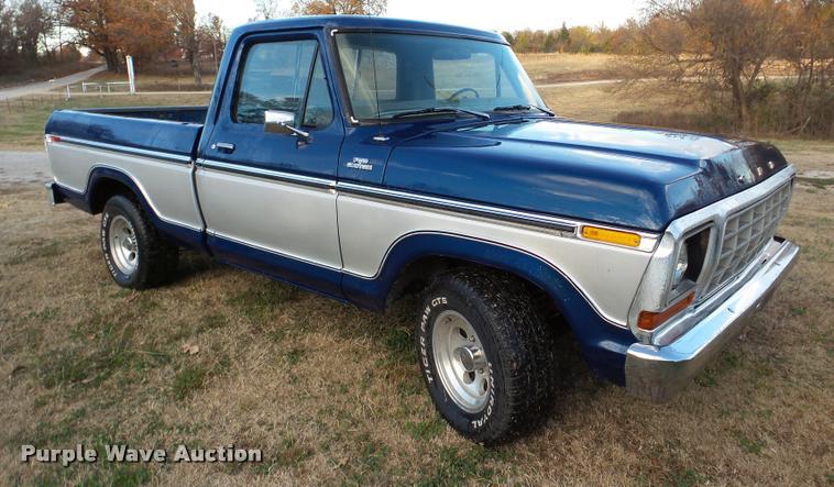 1977 Ford F100 Custom pickup truck