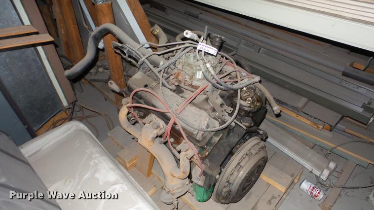 Eight cylinder gas engine