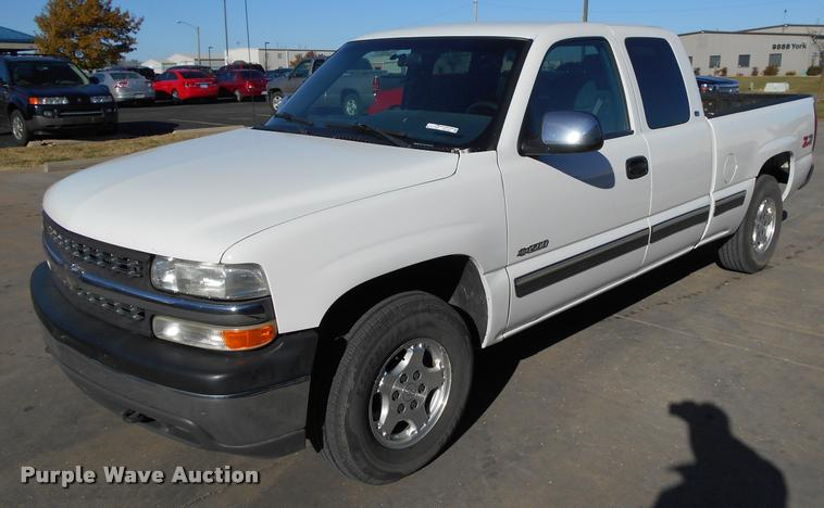 1999 Chevrolet Silverado 1500 Z71 Ext. Cab pickup truck