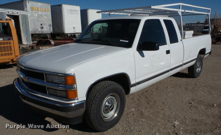 1995 Chevrolet 2500 Ext. Cab pickup truck
