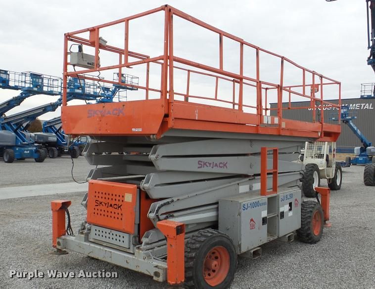 1998 Skyjack SJ9250 scissor lift
