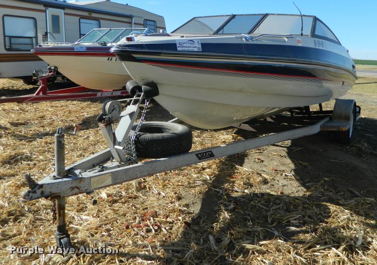 1988 VIP fiberglass V-bottom boat