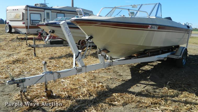 1977 Larson fiberglass V-bottom boat
