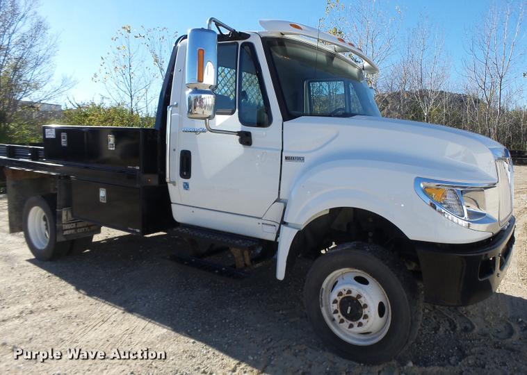 2014 International TerraStar flat bed truck