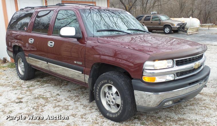 2000 Chevrolet Suburban 1500 LS SUV