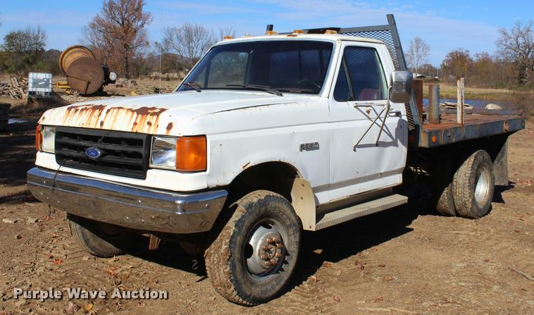 1987 Ford F350 flatbed pickup truck