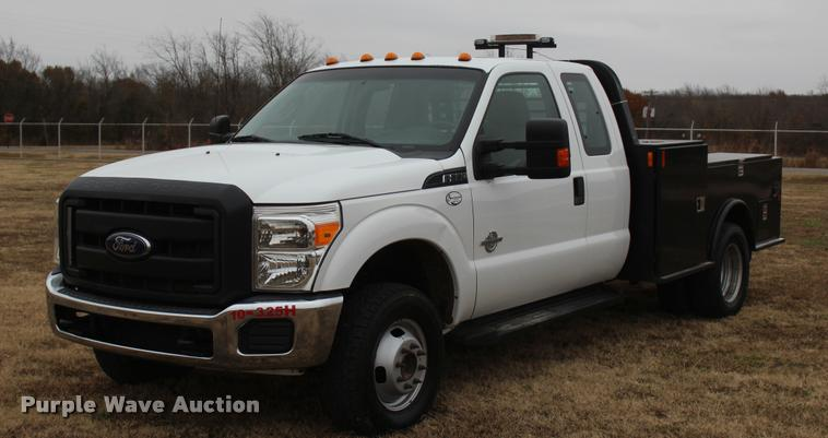 2012 Ford F350 Super Duty XL SuperCab flatbed pickup truck