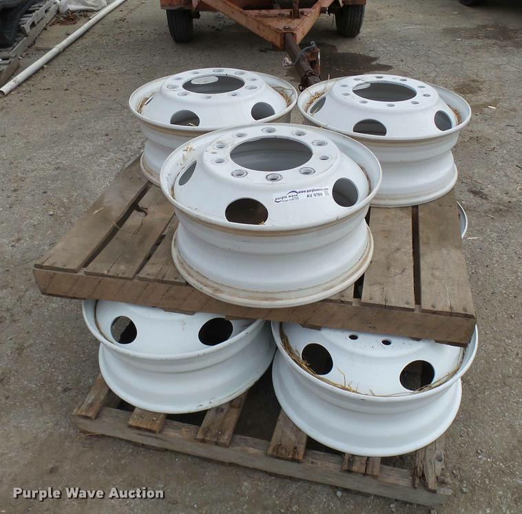 (7) 22.5 steel wheels