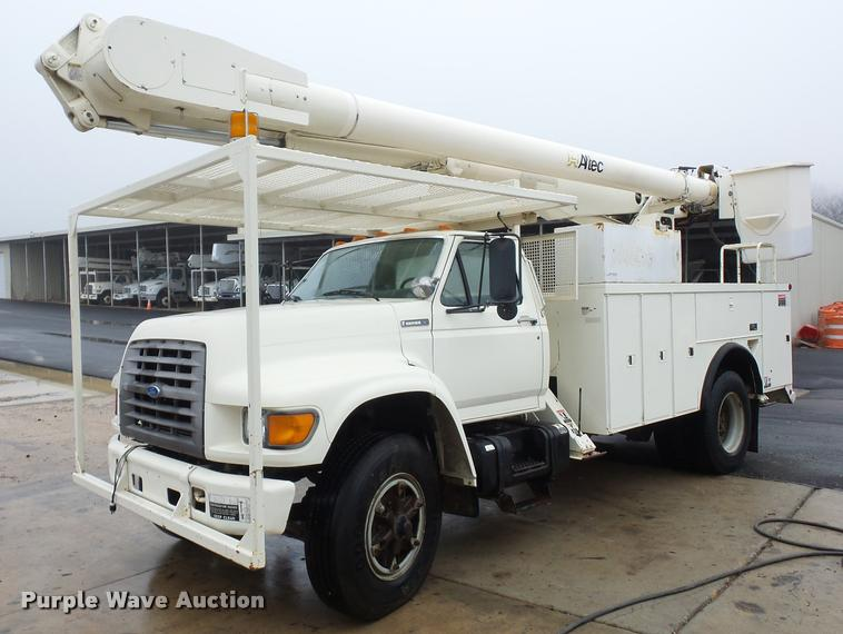 1997 Ford F800 Super Duty bucket truck