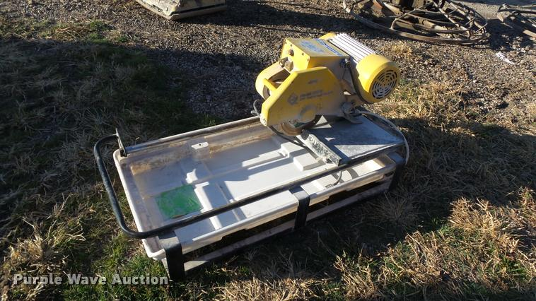 QEP 60010 tile saw