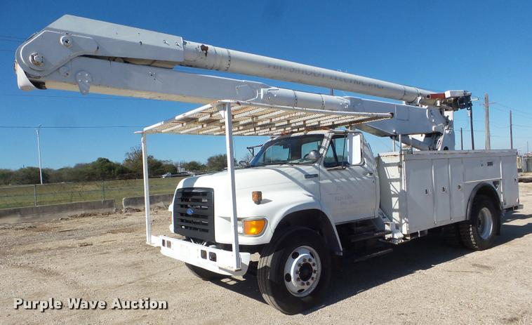 1995 Ford F800 Super Duty bucket truck
