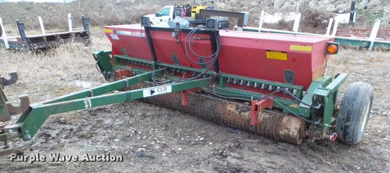 2007 Brillion SL-2121 seeder
