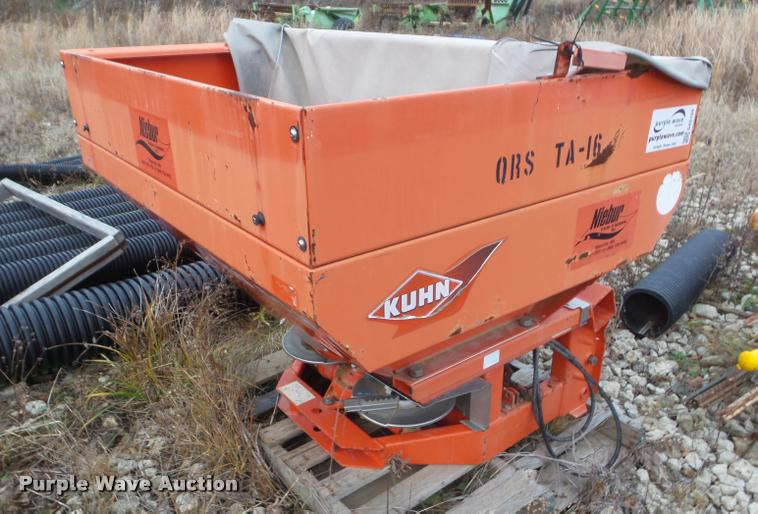 Kuhn MDS 65 spreader