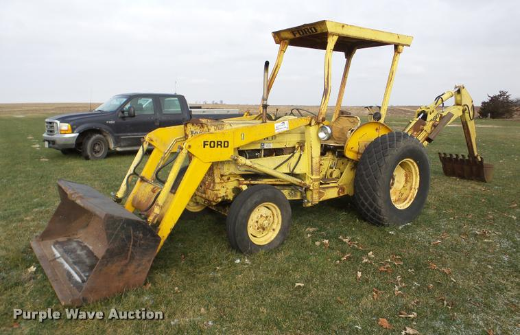 1975 Ford 3550 backhoe