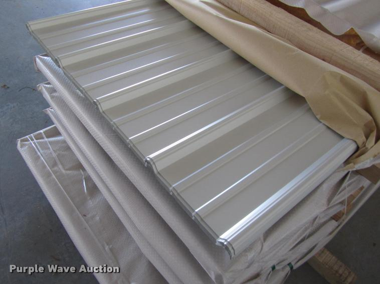 (30) sheets of metal siding/roofing