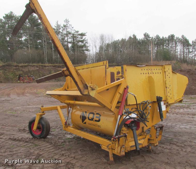 HayBuster 2100 straw spreader