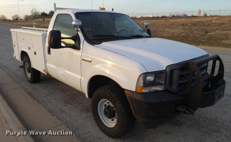 2002 Ford F250 Super Duty utility truck