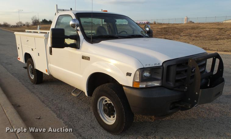2003 Ford F250 Super Duty utility truck