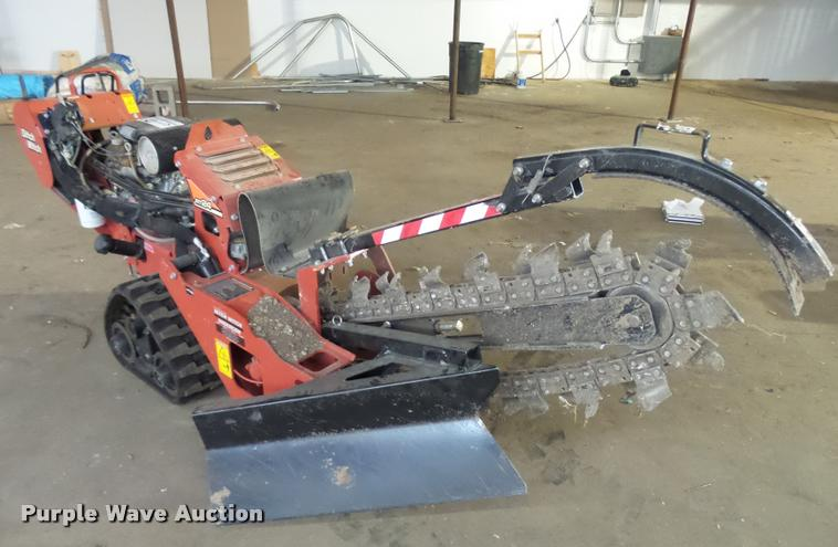 2014 Ditch Witch RT24 trencher