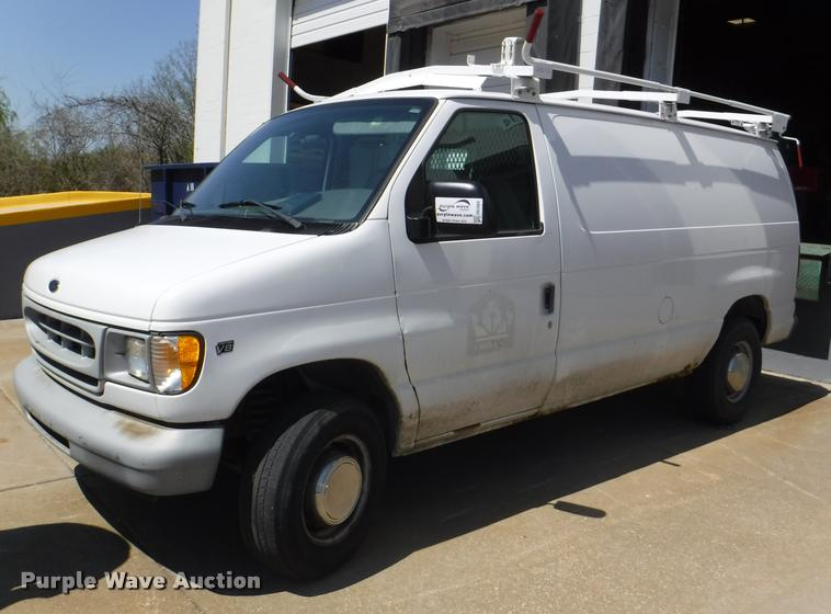 DB3888 government auction in mission, kansas by purple wave auction Ford E-150 Van Fuse Box at creativeand.co