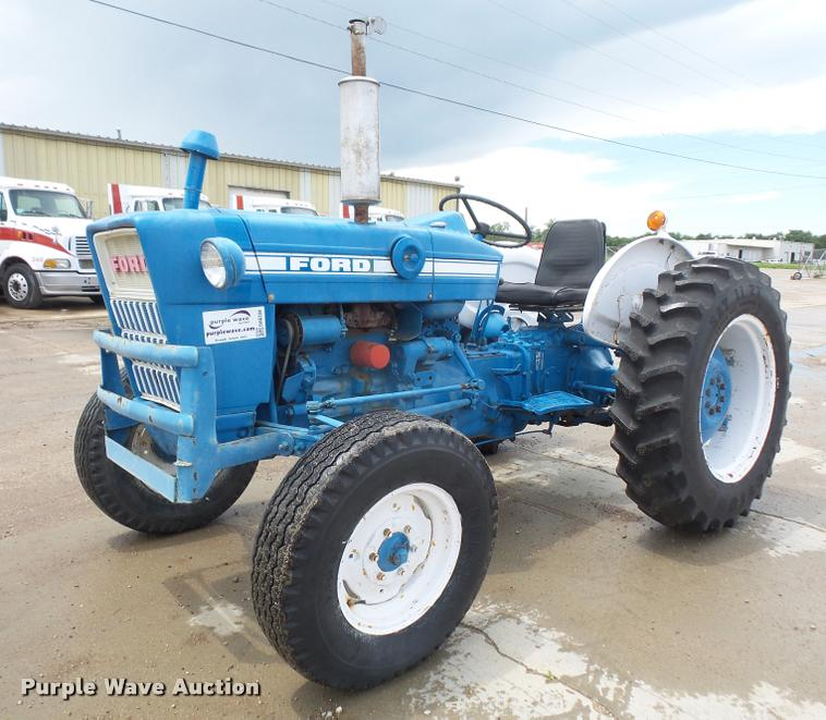 Ford 2000 Tractor Wheels : Ag equipment auction in cherryvale kansas by purple wave