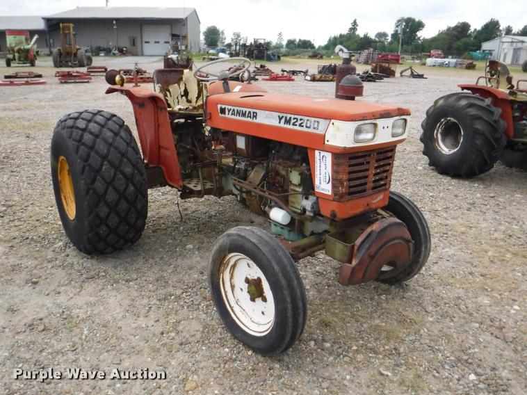 Yanmar YM2200 tractor