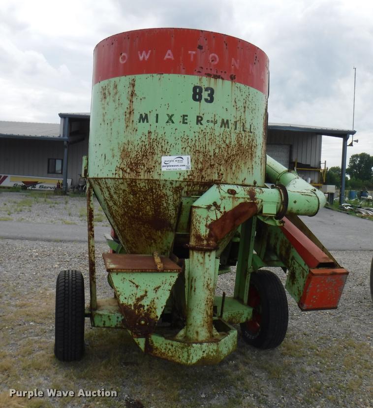 Owetonna 83 feed grinder